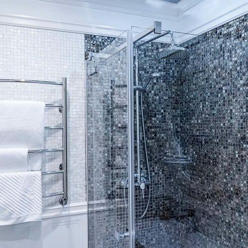 modern bathroom with shower 1