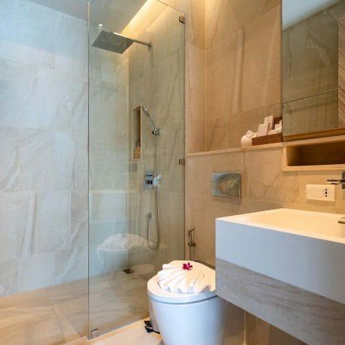 natural tiled luxury bathrooom 1